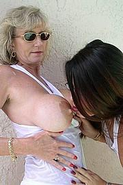 granny-big-boobs469.jpg