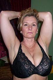 granny-big-boobs448.jpg