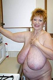 granny-big-boobs452.jpg