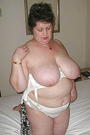 granny-big-boobs489.jpg