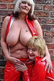 granny-big-boobs490.jpg
