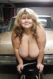granny-big-boobs495.jpg