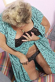 kinky-booby-granny06.jpg