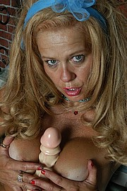 booby-old-slut06.jpg
