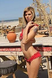 ilona_beach37.jpg