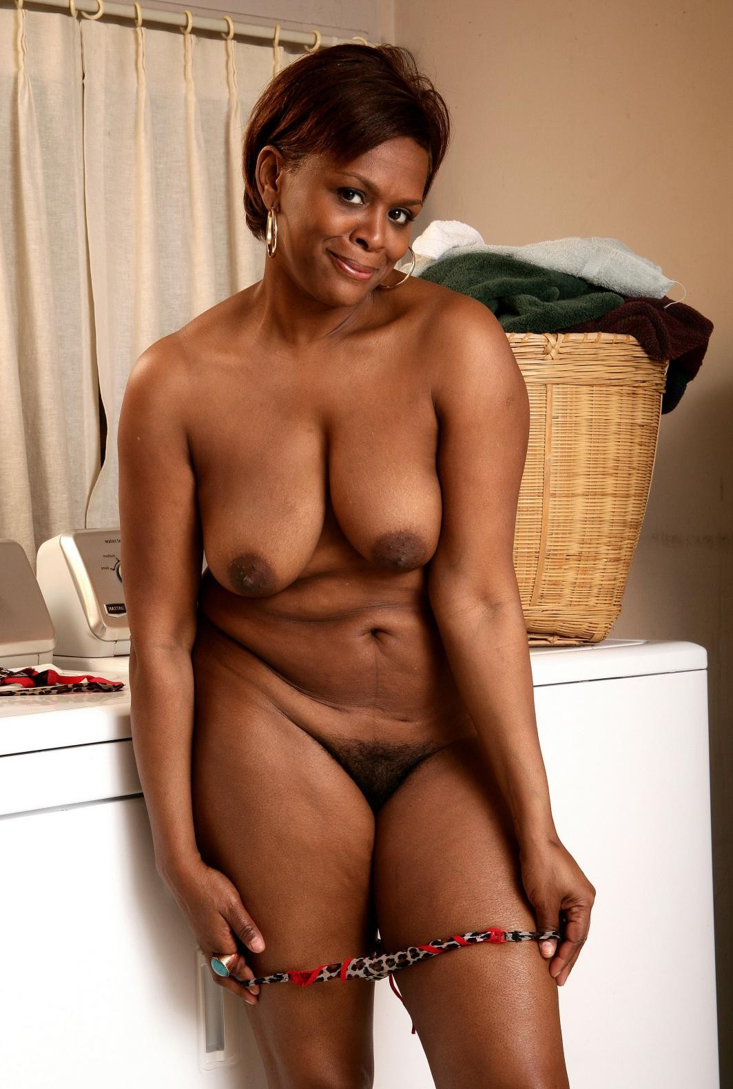 naked black old ladies