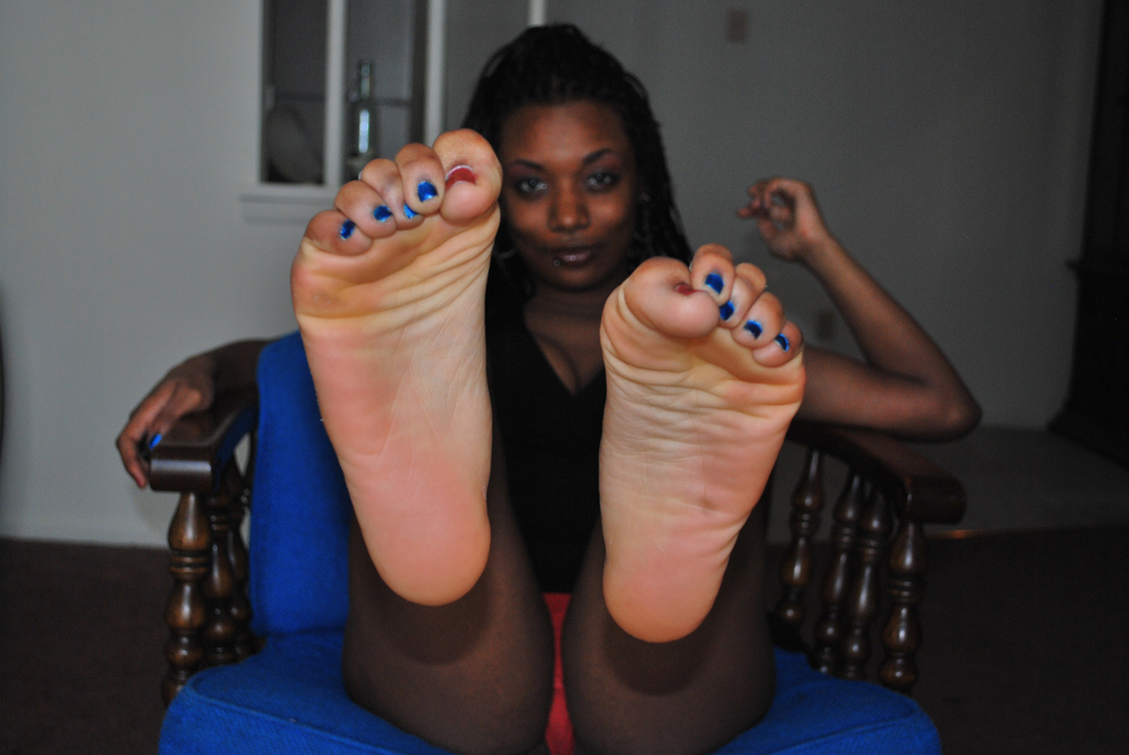 naked big black women toes