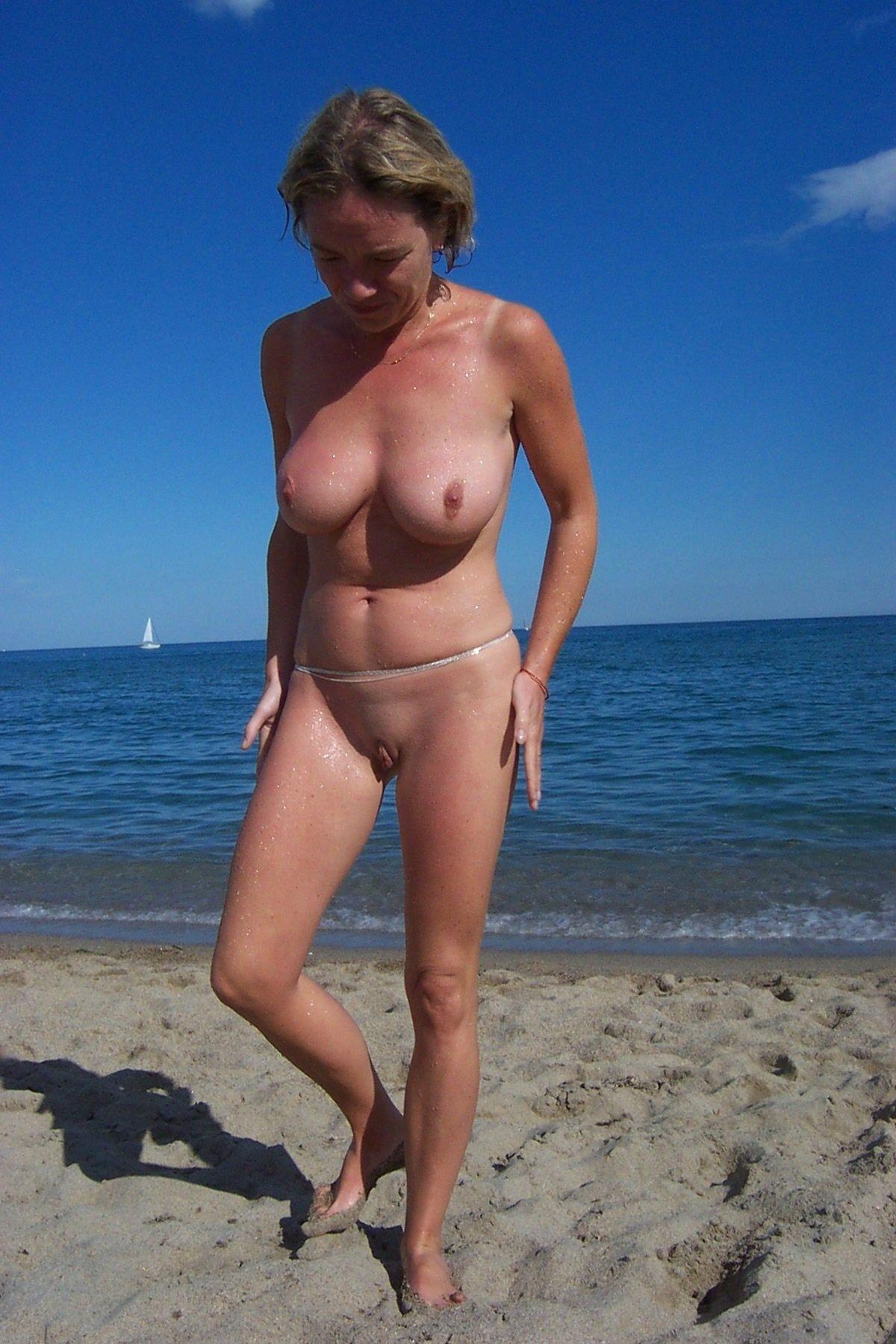 вводить стал, фото зрелых на пляже своем