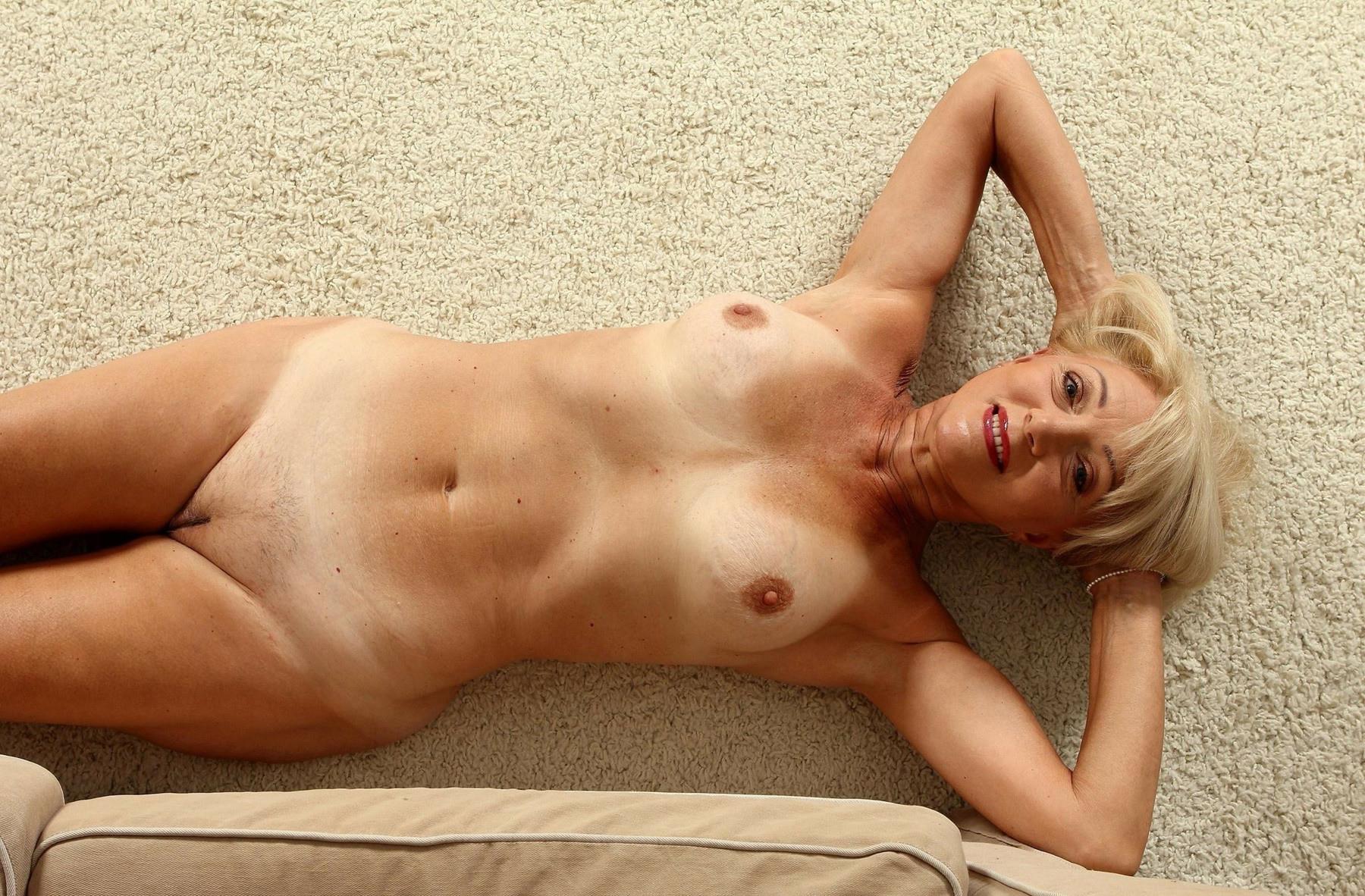 Зрелые Обнаженные Дамочки Блондинки Фото