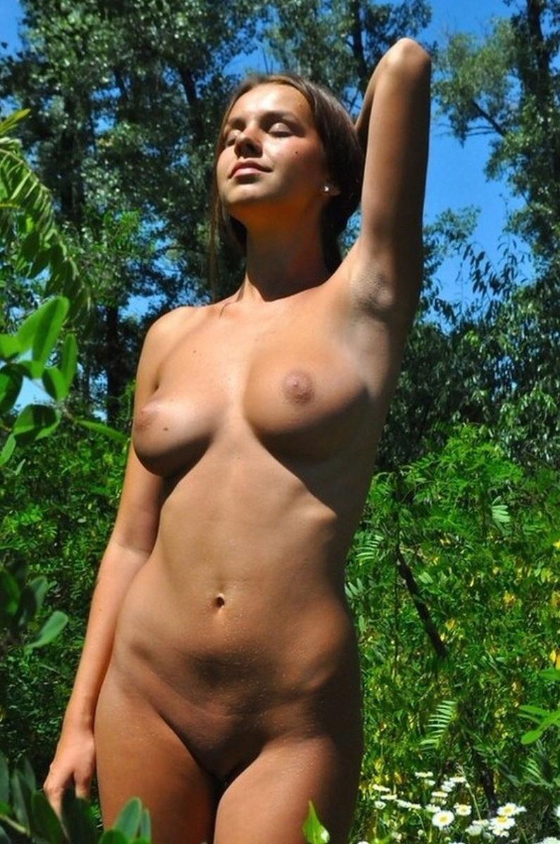 Голая обычная фото девушка