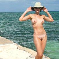 amateur girls on nude beach