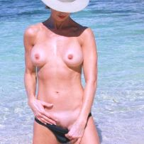 exposing at nude beach