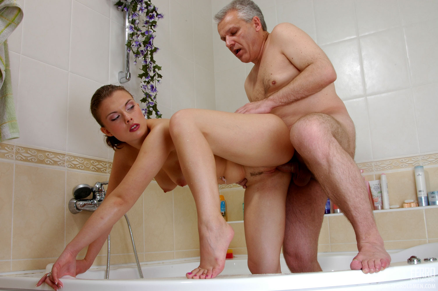porno-video-pyaniy-papa-i-doch