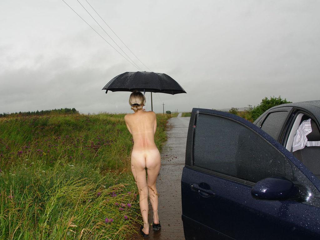 голая жена на трассе фото