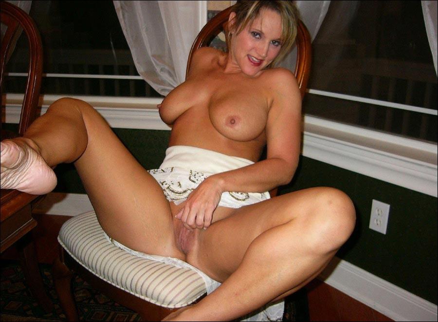 blonde milf porn pics
