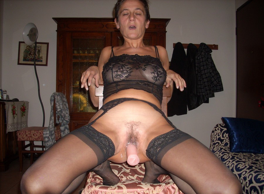 Cukold wife