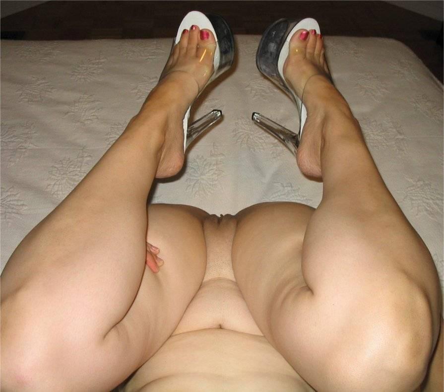 Hot naked girls big boobs shower