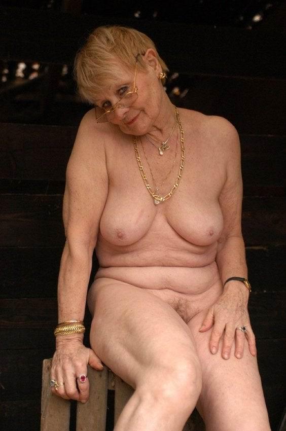 Голые бабушки