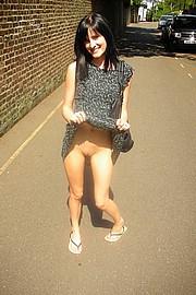 skinn-girl-showing-ass11.jpg