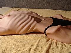 skinny-vulvas14.jpg