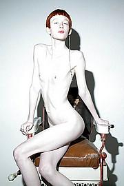 titless-skinny-girls01.jpg