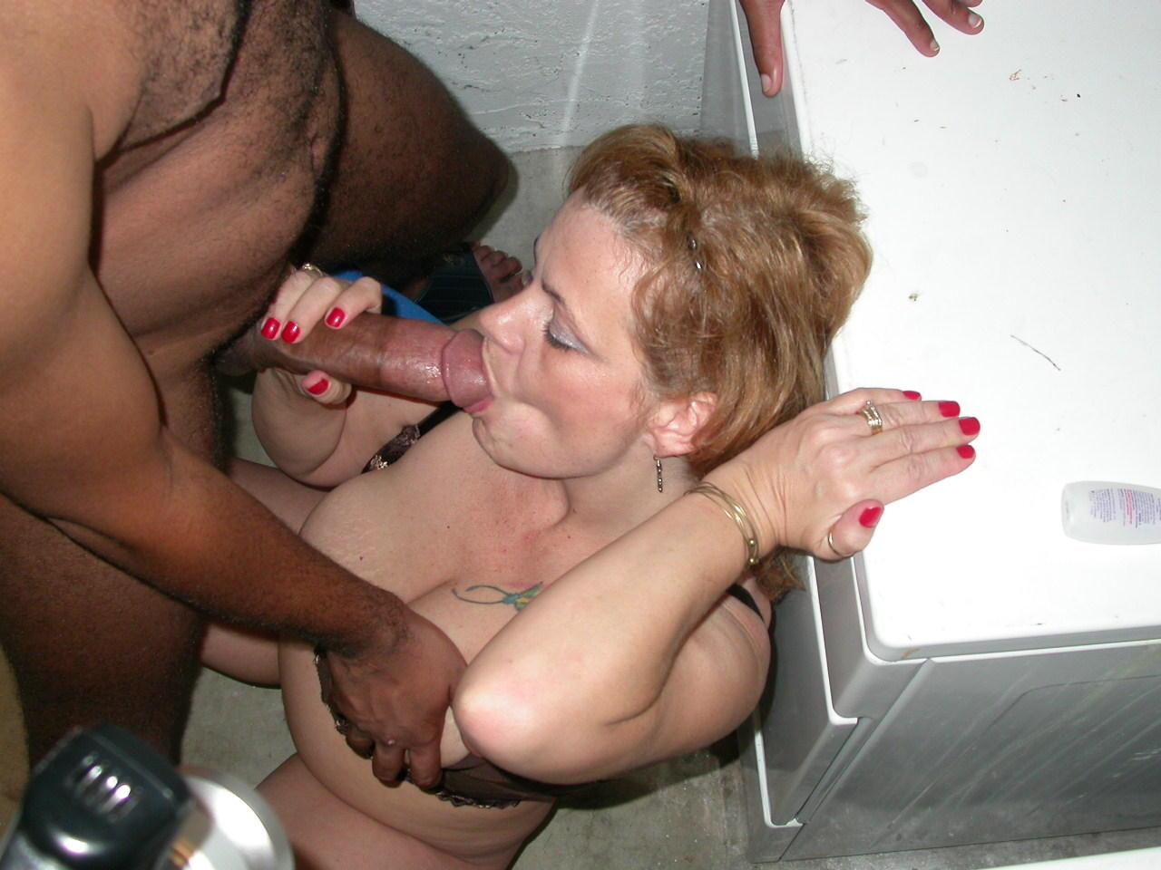 Heiße Milf beim Interracial Sex