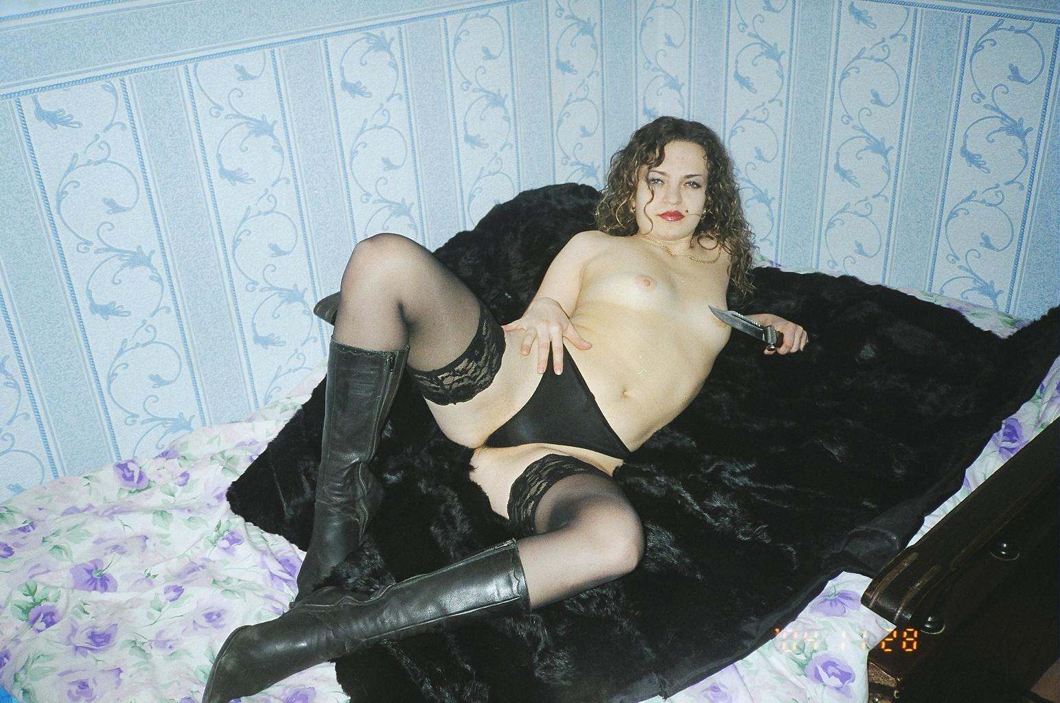 Частное порно фото девушек 90х, Интимные снимки из 90х от незамужних барышень - секс 11 фотография