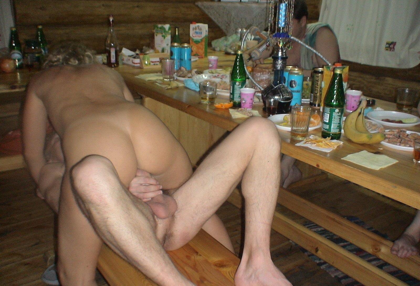 Порно в сауне снятое на мобильник