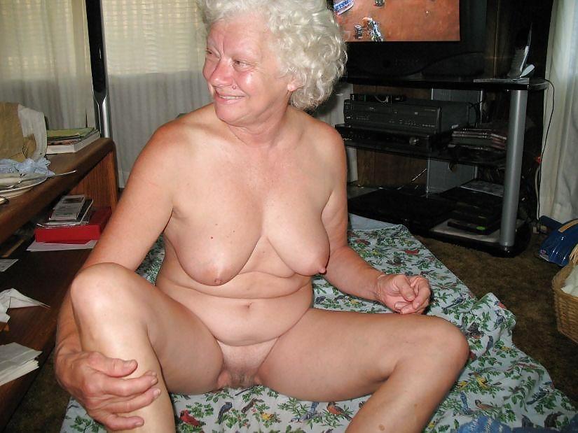 фото бабушек интимные