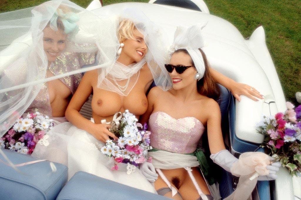 этого телки голые на свадьбе пониже