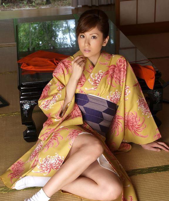 зрелая японка в кимоно тебя ебучий член