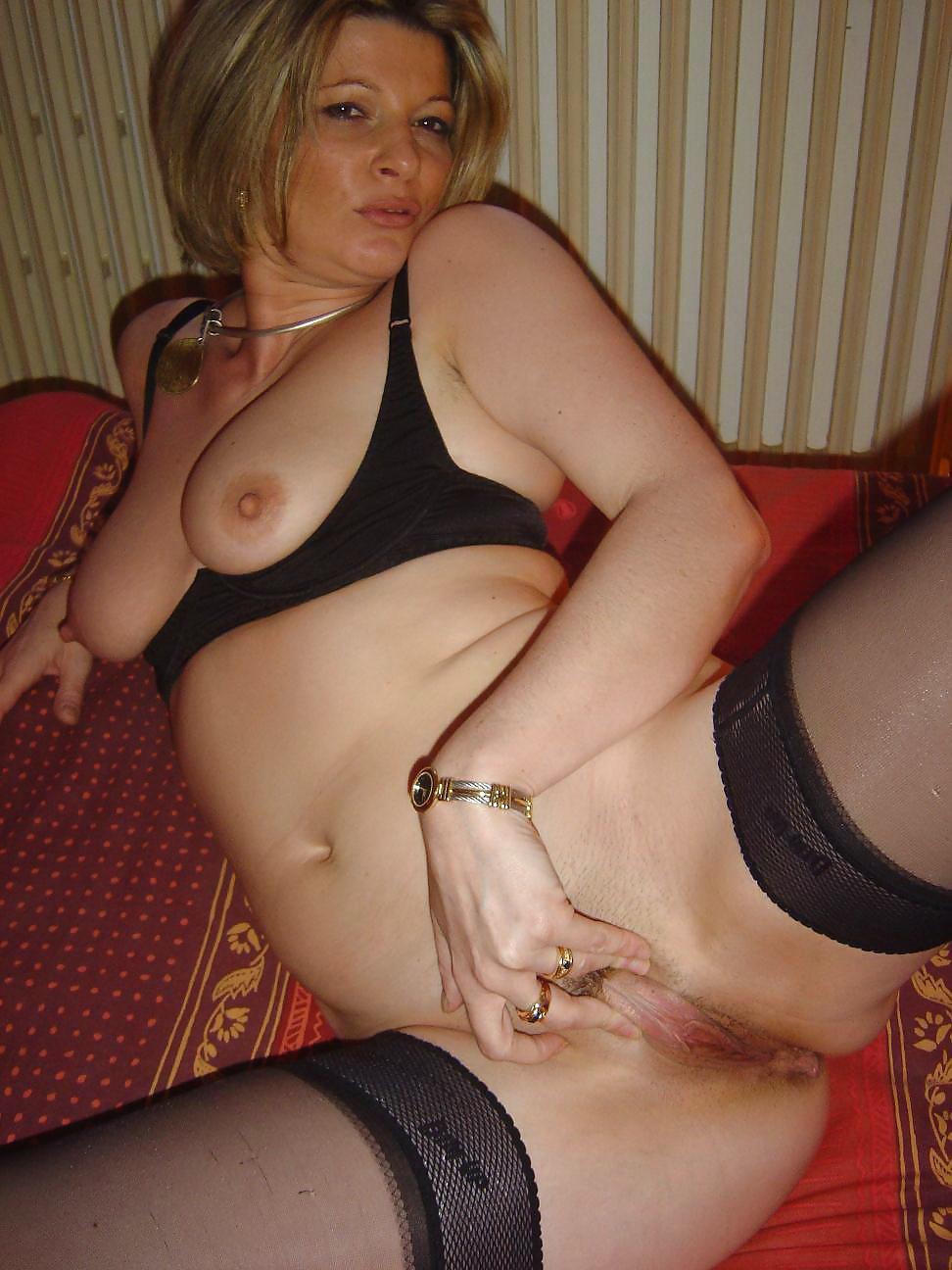 зрелые голые самки