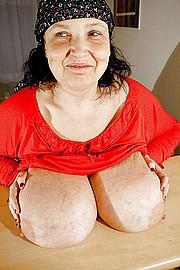granny-big-boobs111.jpg