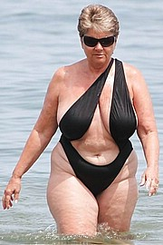 granny-big-boobs121.jpg