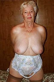 granny-big-boobs132.jpg