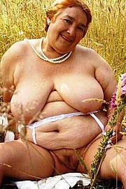 granny-big-boobs194.jpg