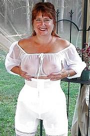 granny-big-boobs210.jpg