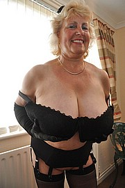 granny-big-boobs211.jpg