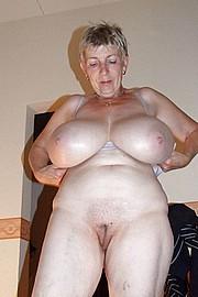 granny-big-boobs262.jpg
