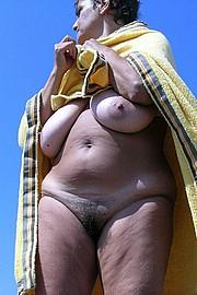 granny-big-boobs258.jpg