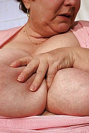 granny-big-boobs290.jpg
