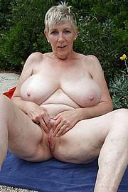 granny-big-boobs248.jpg