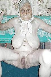 granny-big-boobs324.jpg