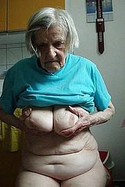 granny-big-boobs459.jpg