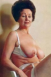 granny-big-boobs485.jpg