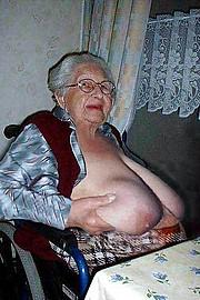 granny-big-boobs493.jpg