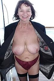 granny-big-boobs472.jpg