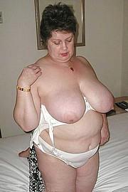 granny-big-boobs489.jpg
