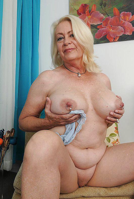 Hot milf anal sex photos