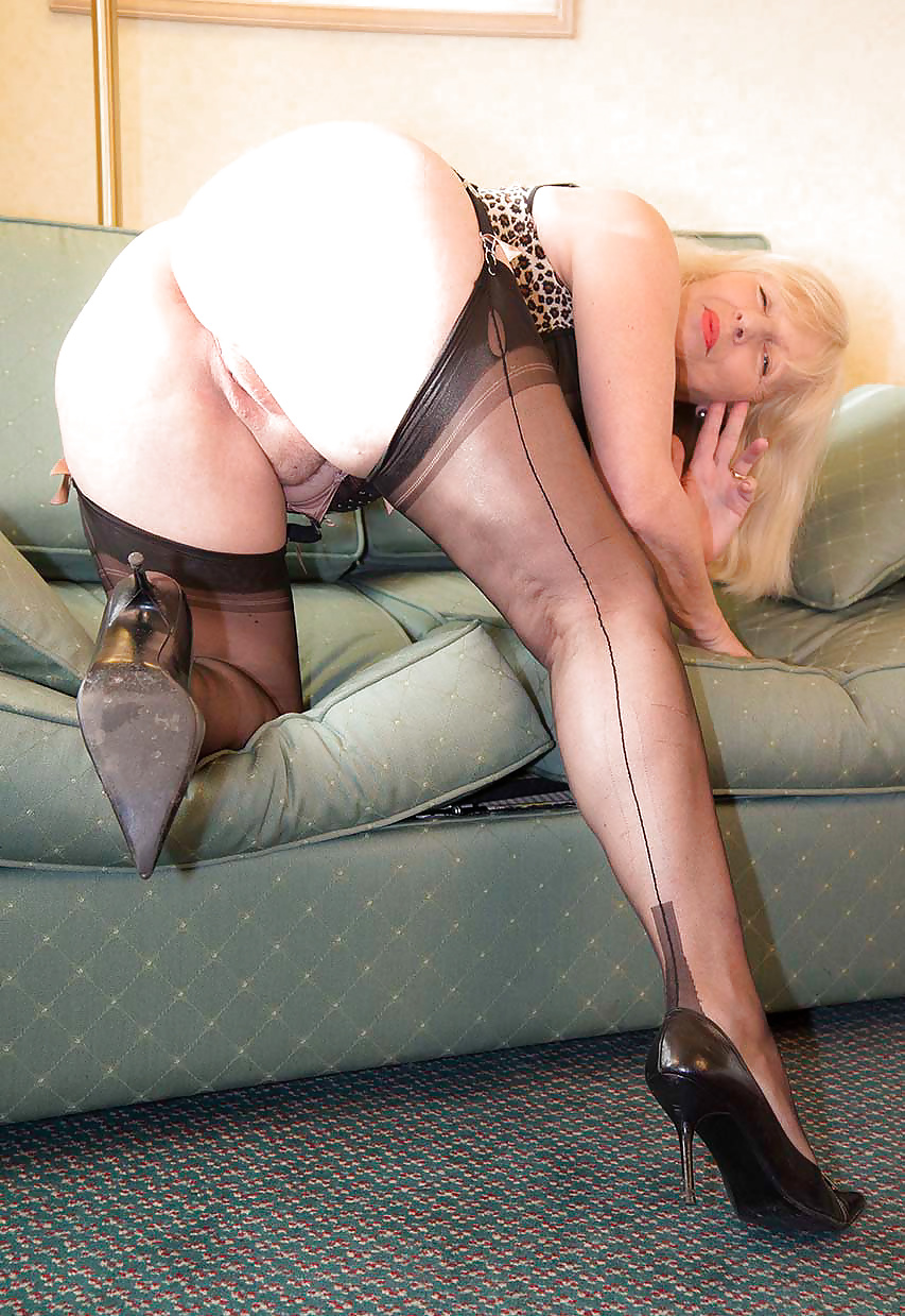 Mature Stockings Galleries